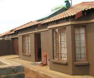 R 760,000 - 3 Bed House For Sale in Chantelle
