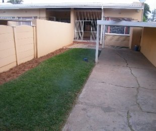 R 350,000 - 2 Bed Property For Sale in Bedelia
