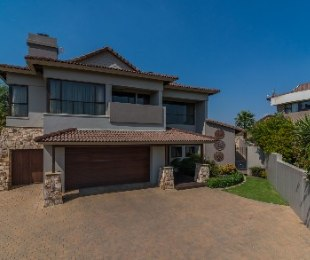 R 6,895,000 - 3 Bed Home For Sale in Eagle Canyon
