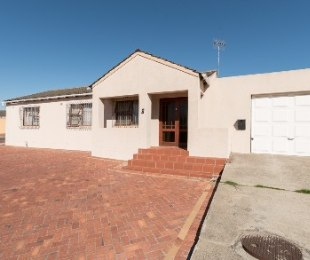 R 1,050,000 - 2 Bed House For Sale in Northpine