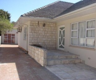 R 18,500 - 4 Bed House To Rent in Claremont