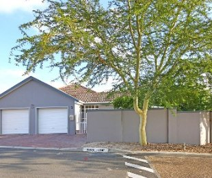 R 2,595,000 - 3 Bed House For Sale in Protea Heights
