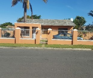 R 1,750,000 - 3 Bed Property For Sale in Bothasig