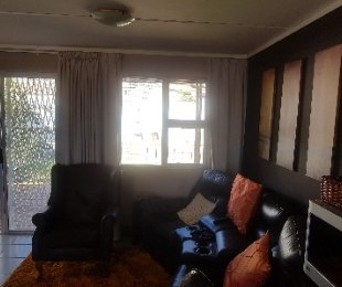 R 1,250,000 - 3 Bed Property For Sale in Gordon's Bay
