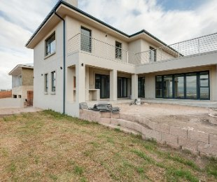 R 3,730,000 - 3 Bed Property For Sale in Hartenbos