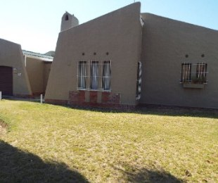 R 1,350,000 - 3 Bed Property For Sale in Kraaifontein