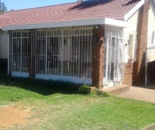 R 1,470,000 - 3 Bed Property For Sale in Hurlyvale