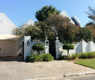R 4,690,000 - 5 Bed House For Sale in Durbanville Hills