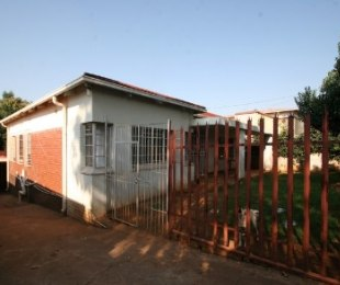 R 750,000 - 3 Bed Property For Sale in Bezuidenhout Valley