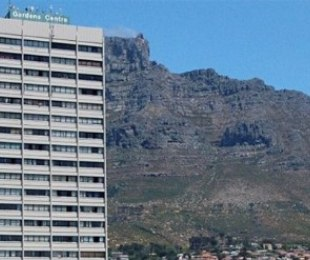 R 2,450,000 - 1 Bed Flat For Sale in Oranjezicht