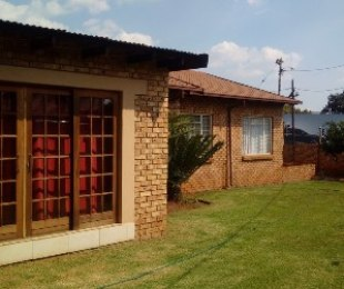 R 1,650,000 - 3 Bed Home For Sale in Clubview