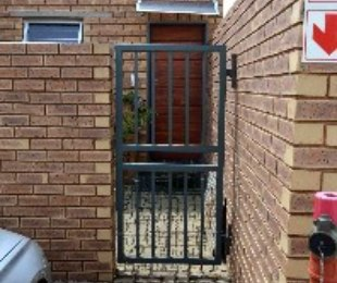 R 8,800 - 3 Bed Property To Let in Glen Marais