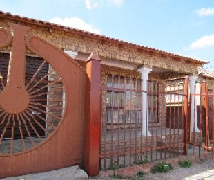 R 560,000 - 3 Bed Home For Sale in Soshanguve