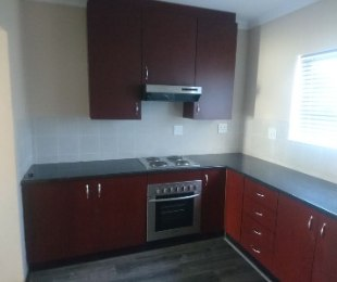 R 10,900 - 2 Bed Flat To Rent in Eagle Canyon Golf Estate