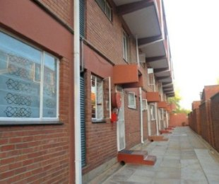 R 490,000 - 3 Bed Property For Sale in Jeppestown