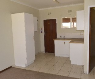 R 4,000 - 1 Bed Flat To Let in Dowerglen