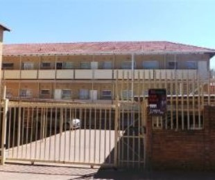 R 380,000 - 1 Bed Apartment For Sale in Windsor West