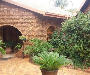 R 1,640,000 - 3 Bed House For Sale in Ninapark
