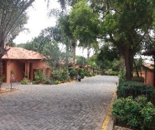 R 1,250,000 - 2 Bed Property For Sale in Florauna