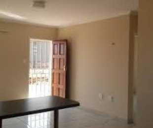 R 3,700 - 2 Bed House To Rent in Devland