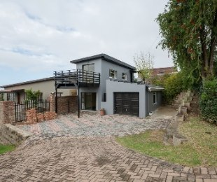 R 750,000 - 1 Bed Property For Sale in Denneoord
