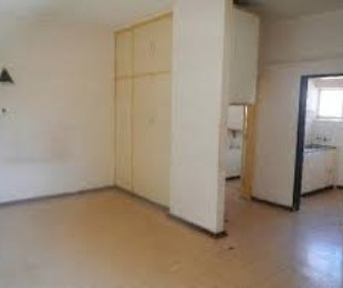 R 1,600 - 1 Bed Flat To Let in Marshalltown