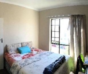 R 6,000 - 1 Bed Apartment To Let in Midrand