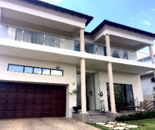 R 37,000 - 5 Bed Home To Let in Eagle Canyon Golf Estate