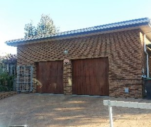 R 20,000 - 4 Bed House To Rent in Durbanville