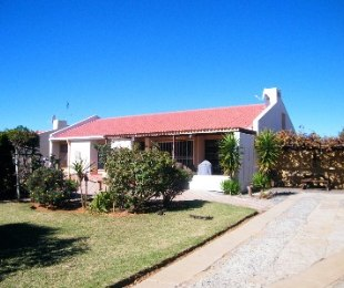 R 650,000 - 3 Bed Property For Sale in Flamingo Park