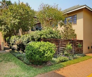 R 899,000 - 2 Bed Flat For Sale in Northwold