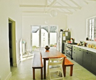 R 2,950,000 - 4 Bed House For Sale in Muizenberg