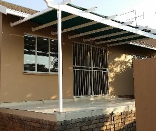 R 795,000 - 2 Bed Property For Sale in Northwold