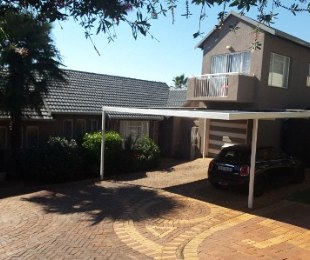 R 1,380,000 - 4 Bed House For Sale in Wilro Park
