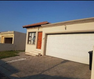 R 10,500 - 3 Bed House To Rent in Midrand