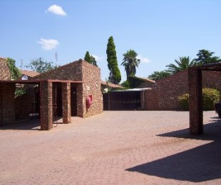 R 550,000 - 3 Bed Property For Sale in Riebeeckstad