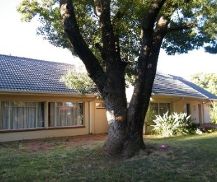 R 1,100,000 - 5 Bed House For Sale in St Helena