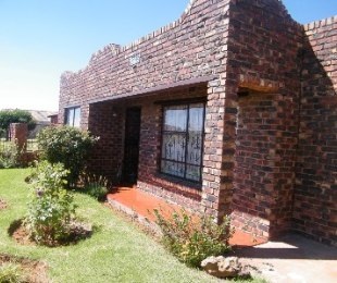 R 460,000 - 2 Bed House For Sale in Thabong