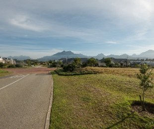 R 750,000 -  Plot For Sale in Kraaibosch