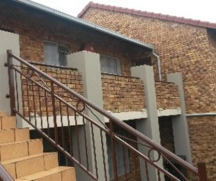 R 610,000 - 2 Bed Home For Sale in Theresapark