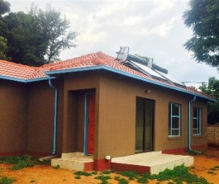 R 850,000 - 3 Bed Home For Sale in Theresapark