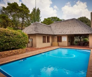 R 1,020,000 - 2 Bed Apartment For Sale in Sunninghill