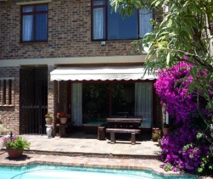 R 2,395,000 - 3 Bed House For Sale in Bergvliet