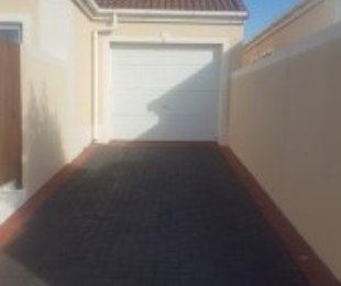 R 2,749,000 - 2 Bed House For Sale in Century City