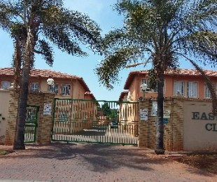 R 627,000 - 3 Bed Property For Sale in Bezuidenhout Valley