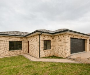 R 2,190,000 - 3 Bed House For Sale in Hartenbos