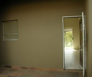 R 4,000 - 1 Bed Property To Let in Buccleuch