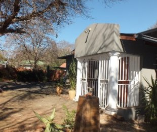 R 2,280,000 - 3 Bed Home For Sale in Clubview