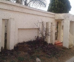 R 350,000 - 2 Bed Property For Sale in Devland
