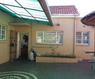 R 1,300,000 - 3 Bed House For Sale in Kensington